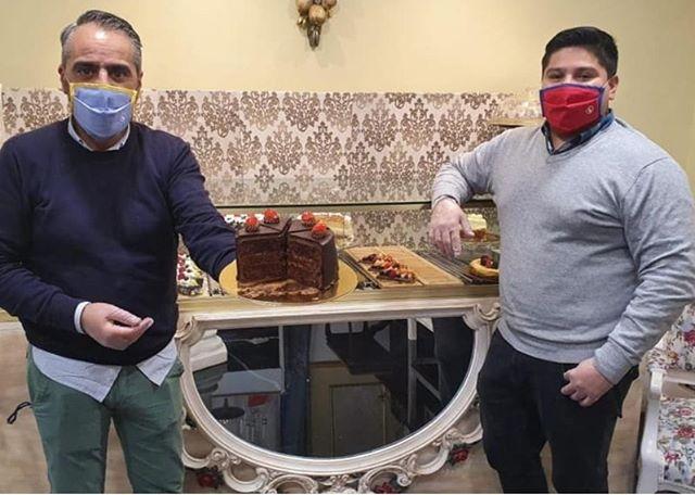 La guinda del pastel: dulces para todos en un salón versallesco (heraldo de Aragón)